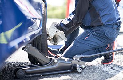 24時間ロードサービス パンク修理・タイヤ交換